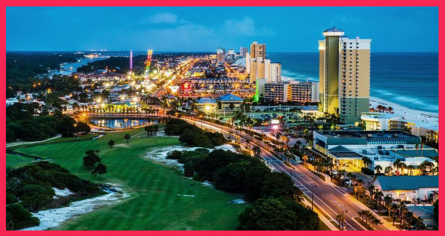 Panama City Beach, Florida, view of Front Beach Road at night du